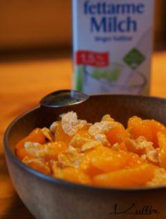 food flakes milk breakfast yummy